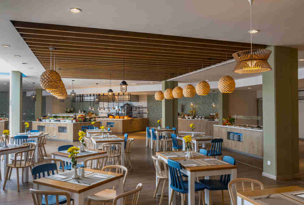 Leonardo Hotels & Resorts Mediterranean - mareRestaurant_03.jpg